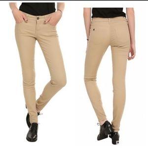 Lovesick The Skinny Khaki Twill Pants. Juniors(7)